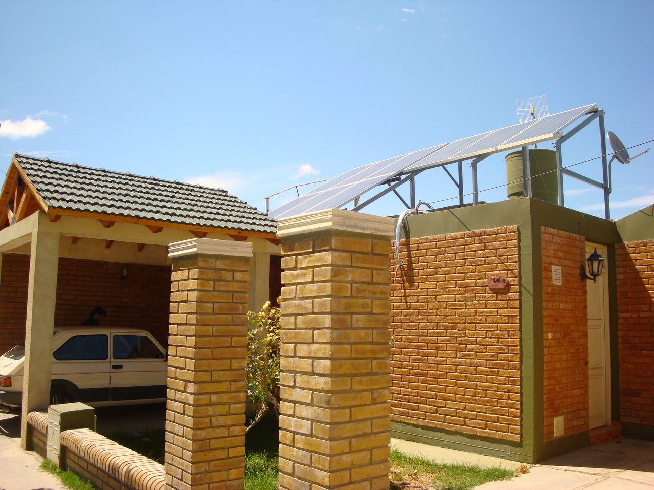 Inserción de Energía Solar Fotovoltaico Conectada a Red como Generación Distribuida en el Sector Residencial.